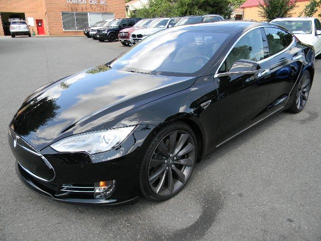2015 Tesla S85D ALL WHELL DRIVE
