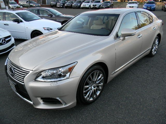 2015 Lexus LS460 ALL WHEEL DRIVE