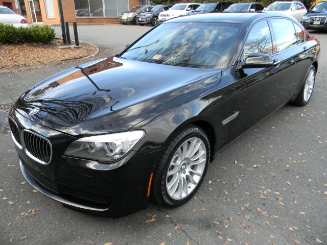 2013 BMW 750LXI MSPORT